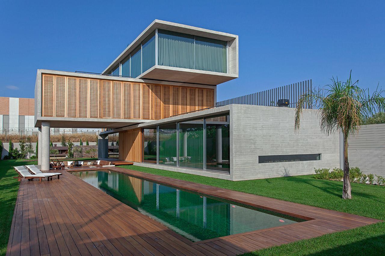 Sias-Projects-Design-Team-Nikos-Theodorakopoulos-Residence-in-Attika-00